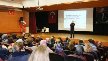 """Bayrampaşa Belediyesi personeline """"Vatandaşla Pozitif İletişim"""" eğitimi"""