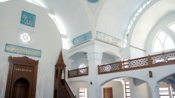 Büyükçekmece'nin yeni camileri fark oluşturuyor