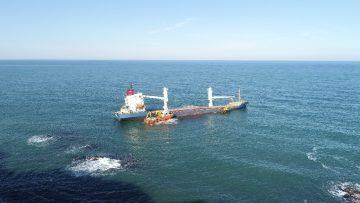 Şile'de karaya oturan gemiyi kurtarma çalışmaları devam ediyor