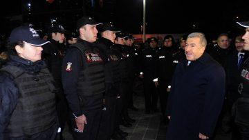 Vali Yerlikaya Taksim'de yılbaşı tedbirlerini denetledi