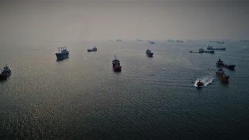 Yüzlerce gemiye sis engeli