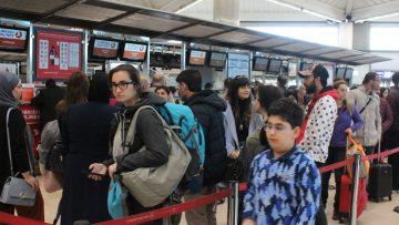 Atatürk Havalimanı'nda seçim yoğunluğu