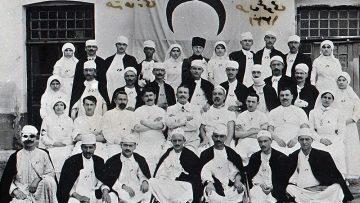 """Prof. Dr. Cevdet Erdöl: """"1915'li Tıbbiyelilerin tamamı Çanakkale'de şehit düştü"""""""