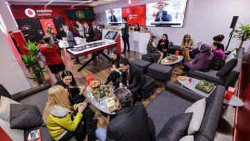 Vodafone teknoloji ve çözümlerini ekonomi zirvesinde tanıttı