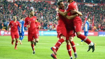 A Milli Takım, FIFA sıralamasında 2 basamak yükseldi